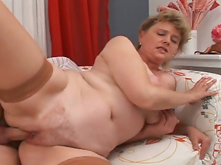 Ugly fair haired granny got her hairy pussy fucked in sideways pose