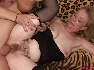Hairy Euro amateur mature first porn at home