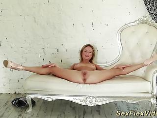 young skinny real flexi gymnast