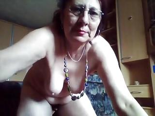 mature pissing cam