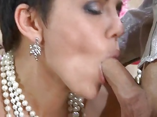 Sexy Mom Blowjob