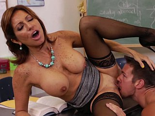 Take up with the tongue your teacher's pussy, cum-hole lad