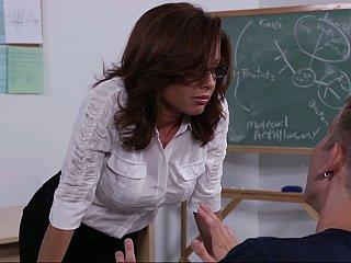 Studying my teacher's twat
