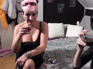 OmaHunter Sexy Hot Oma fucks with teen Girl