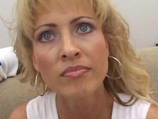 Leeza - A hot wife is fucking a black zilla