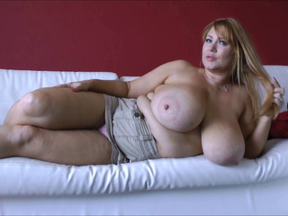 Samantha 38g (Thick Ass & Giant Tits-Solo) 1080p