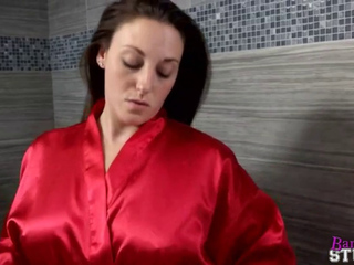 Shower Mom gets fucked