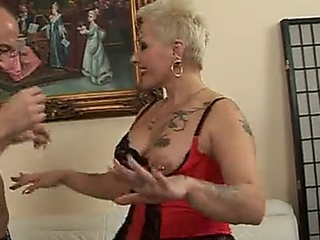 sexy granny cougar makes great fuck doll