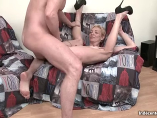 skinny French Mature Cougar Anal 2