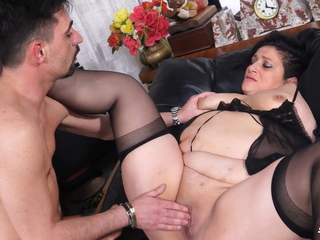 Italian mature BBW getting pussy and ass banged
