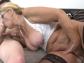 mature slut Regina T gets her mouth full of cock