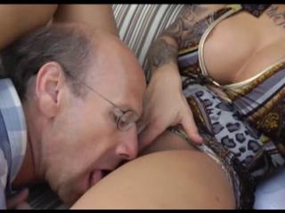 cuckold latin wife fucked by her bull