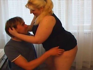 Sexy Matures Big Beautiful Woman screwed by youg schlongs