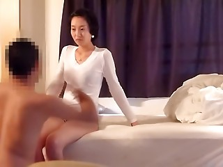 Asian GF plays fair in fucking