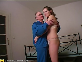 Charming hottie with large naturals Hanika receives nailed by an mature dude