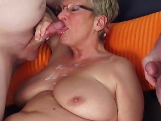 Tattooed aged diva with hawt booty giving massive dicks orall-service