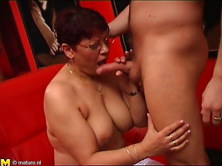 Bespectacled elder slut has her cunt plowed hard