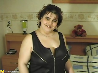 Closeup discharge of old BBW drilling her bawdy cleft using toy