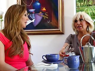 Elder senorita resolves to go full-lesbian with her smooth apprentice