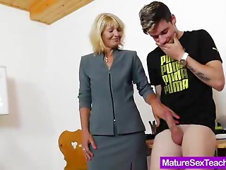 Mom teacher playing plus a rod