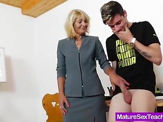 Mom teacher playing plus a rod