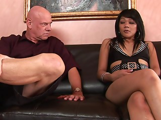 Hairless stud with a lot of experience gives the tanned cutie what this babe needs
