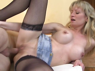 Horniest blond Cougar bounces on the subrigid penis as fast as that babe can