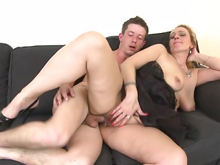 Sexually excited housewife allows the tattooed fellow to poke the dick into her vagina