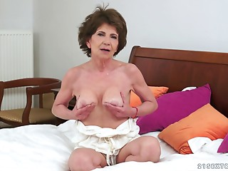 Hawt old bitch sucks a ebony wang and it bonks her soaked snatch