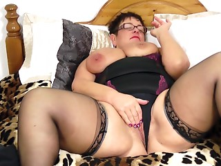 Mouth-watering overweight chick permeates her own wet crack on the sofa