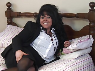Hawt BBW in haunch high nylons having pleasure playing in daybed