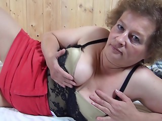 Bombastic milf still enjoys in showing her wet crack to the camera