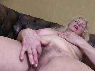 Saggy whoppers old slut receives bare and masturbates her curly box