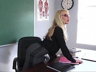 Pet student
